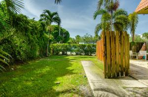 1251 S Federal Highway Boca Raton FL 33432