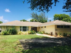 1707 Laurel Lane, Lake Clarke Shores, FL 33406