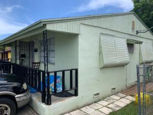 1141 W 7th Street, Riviera Beach, FL 33404