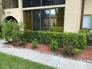 432 Pine Glen Lane, B-1, Greenacres, FL 33463