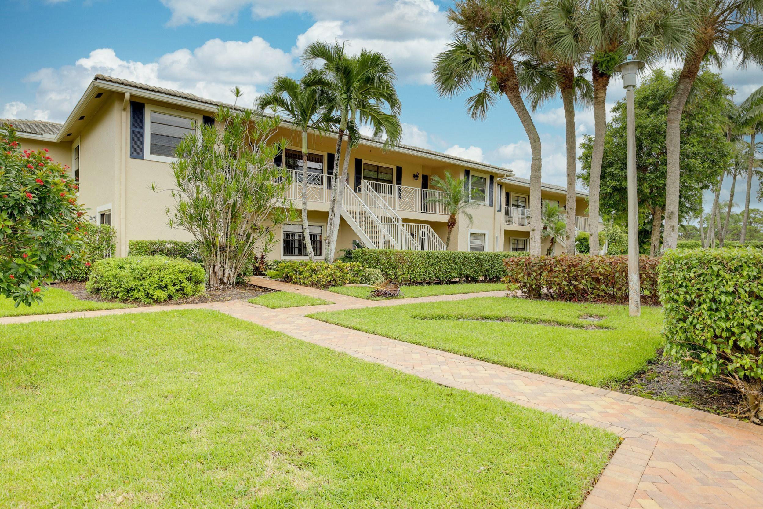 Photo of 7 Stratford Drive #F, Boynton Beach, FL 33436