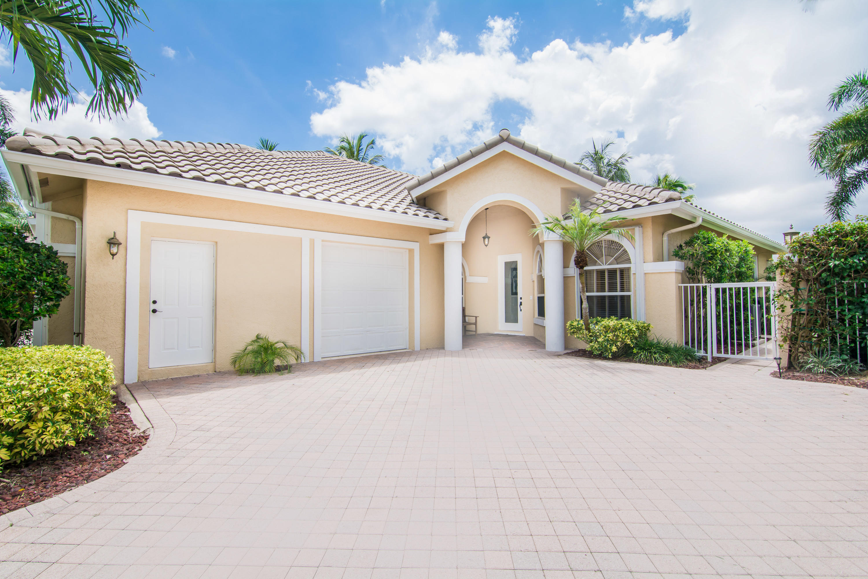 Wellington, Florida 33414, 4 Bedrooms Bedrooms, ,4 BathroomsBathrooms,Rental,For Rent,Calypso,RX-10655264