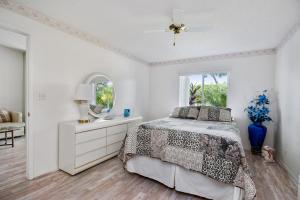 8585 Dreamside Lane Boca Raton FL 33496