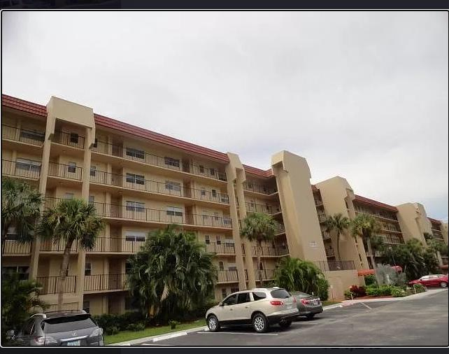 3590 Via Poinciana #309, Lake Worth, FL, 33467