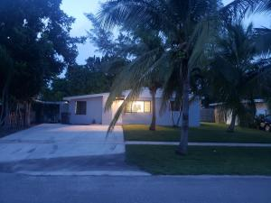 559 Sioux Road, Lake Worth, FL 33462