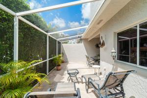 10424 Plaza Centro Boca Raton FL 33498