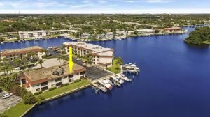 312 Lake Circle, 207, North Palm Beach, FL 33408