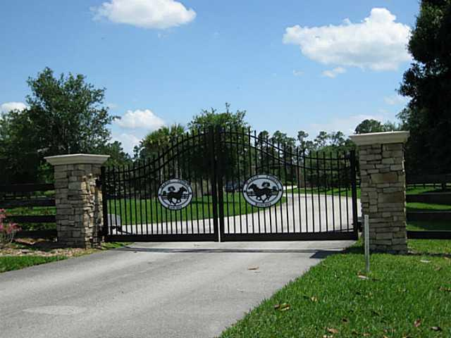 Gate to your Country Retreat