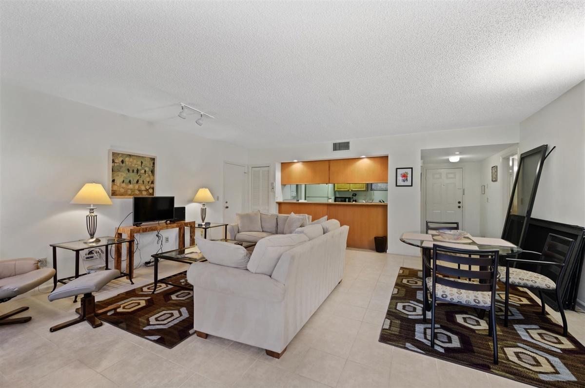 11863 Wimbledon Circle, Wellington, Florida 33414, 2 Bedrooms Bedrooms, ,2 BathroomsBathrooms,Condo/Coop,For Sale,Palm Beach Polo,Wimbledon,1979,RX-10656225