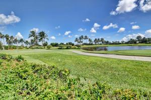 17112 Huntington Park Way Boca Raton FL 33496