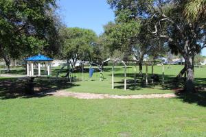 1 Weedon Lane Boynton Beach FL 33426