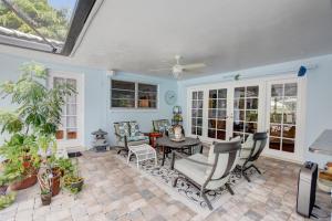 727 Apple Tree Lane Boca Raton FL 33486
