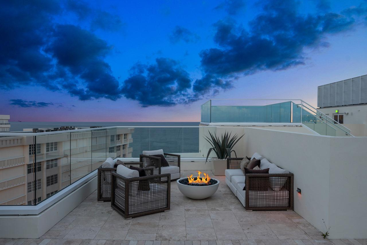Private Rooftop View