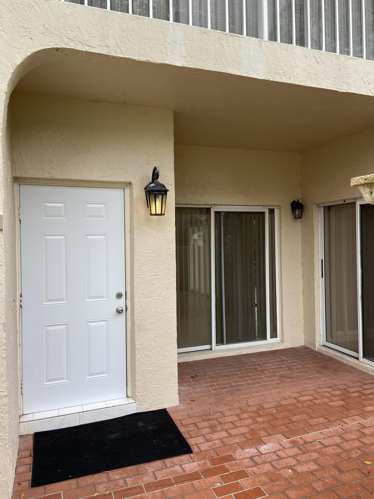 6717 Via Regina Boca Raton, FL 33433
