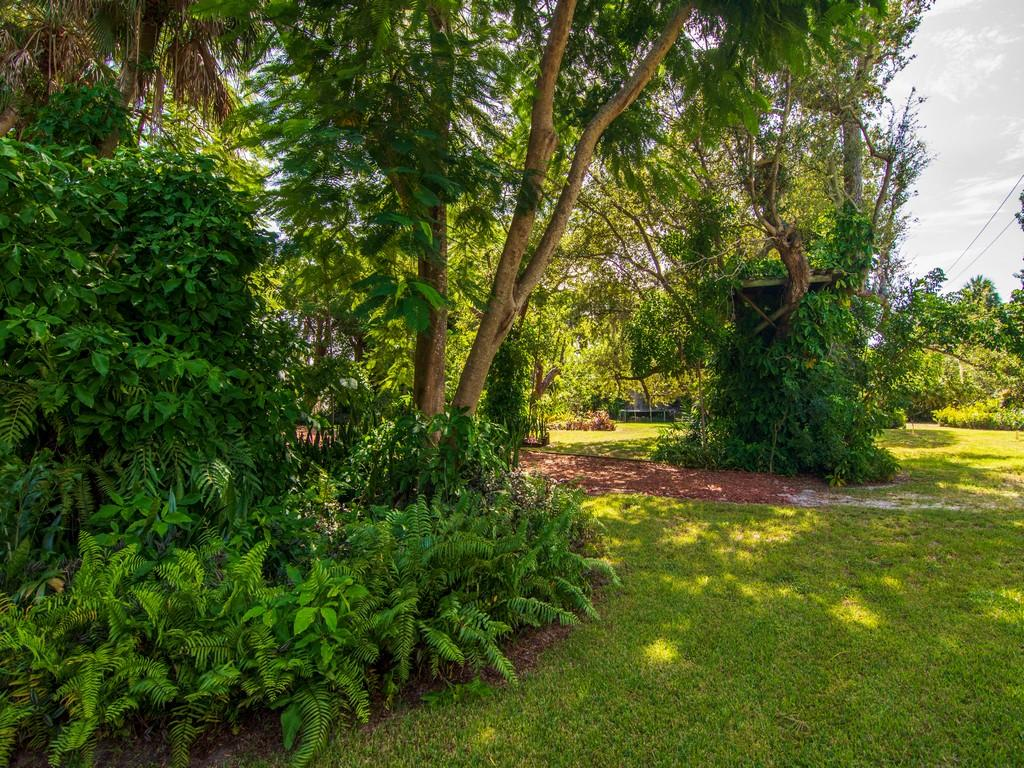 Image 63 For 8053 Indian River Drive S