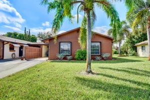 510 SE 27th Way, Boynton Beach, FL 33435