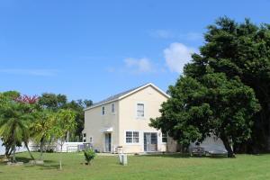 4662 Lakeside Circle, West Palm Beach, FL 33417