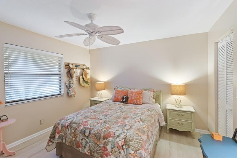 Image 14 For 9912 Little Club Way Se