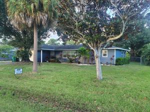 4818 Sunset Boulevard, Fort Pierce, FL 34982