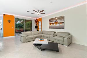 4260 Ne 5th Avenue Boca Raton FL 33431