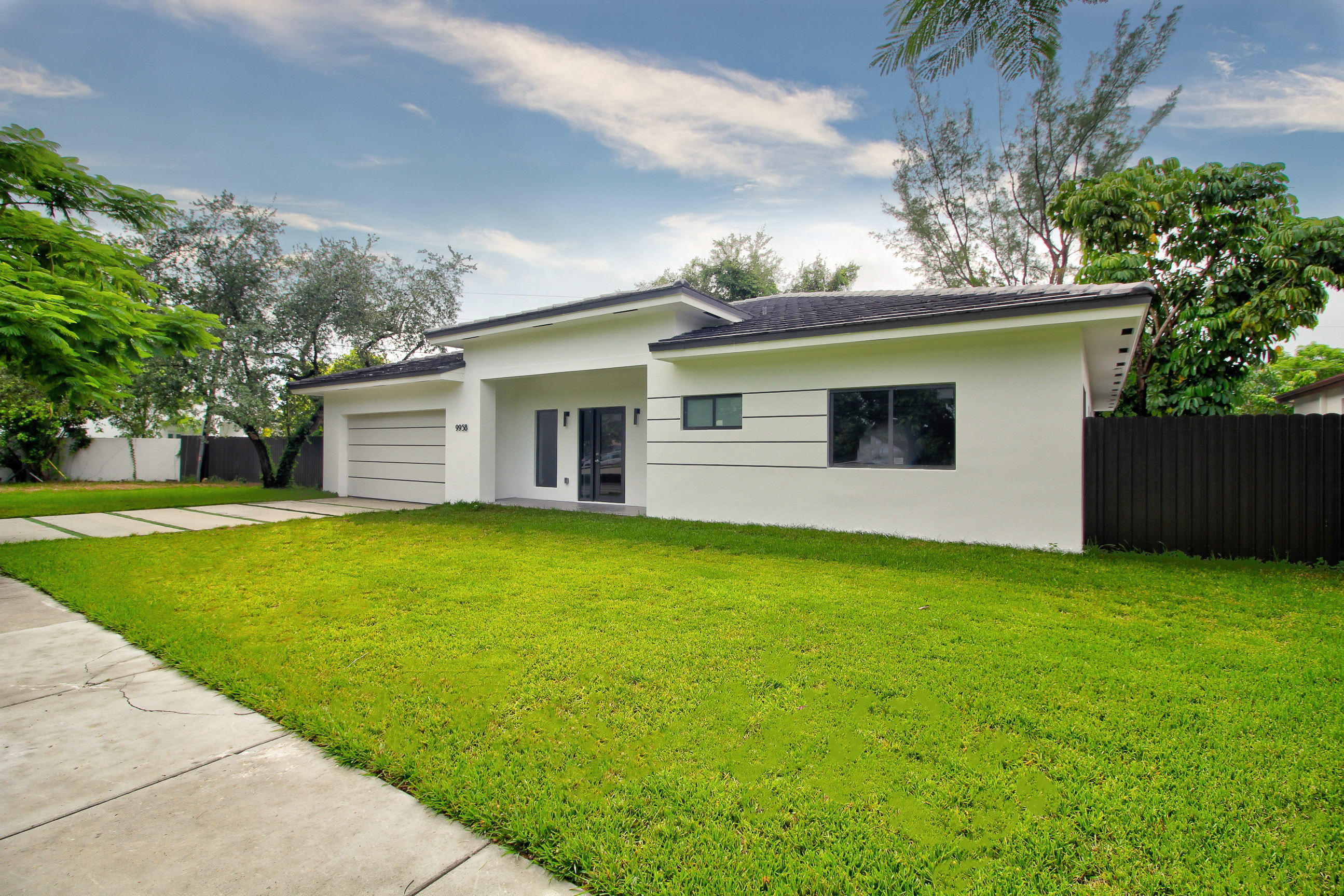 Image 3 For 9958 216th Street Sw