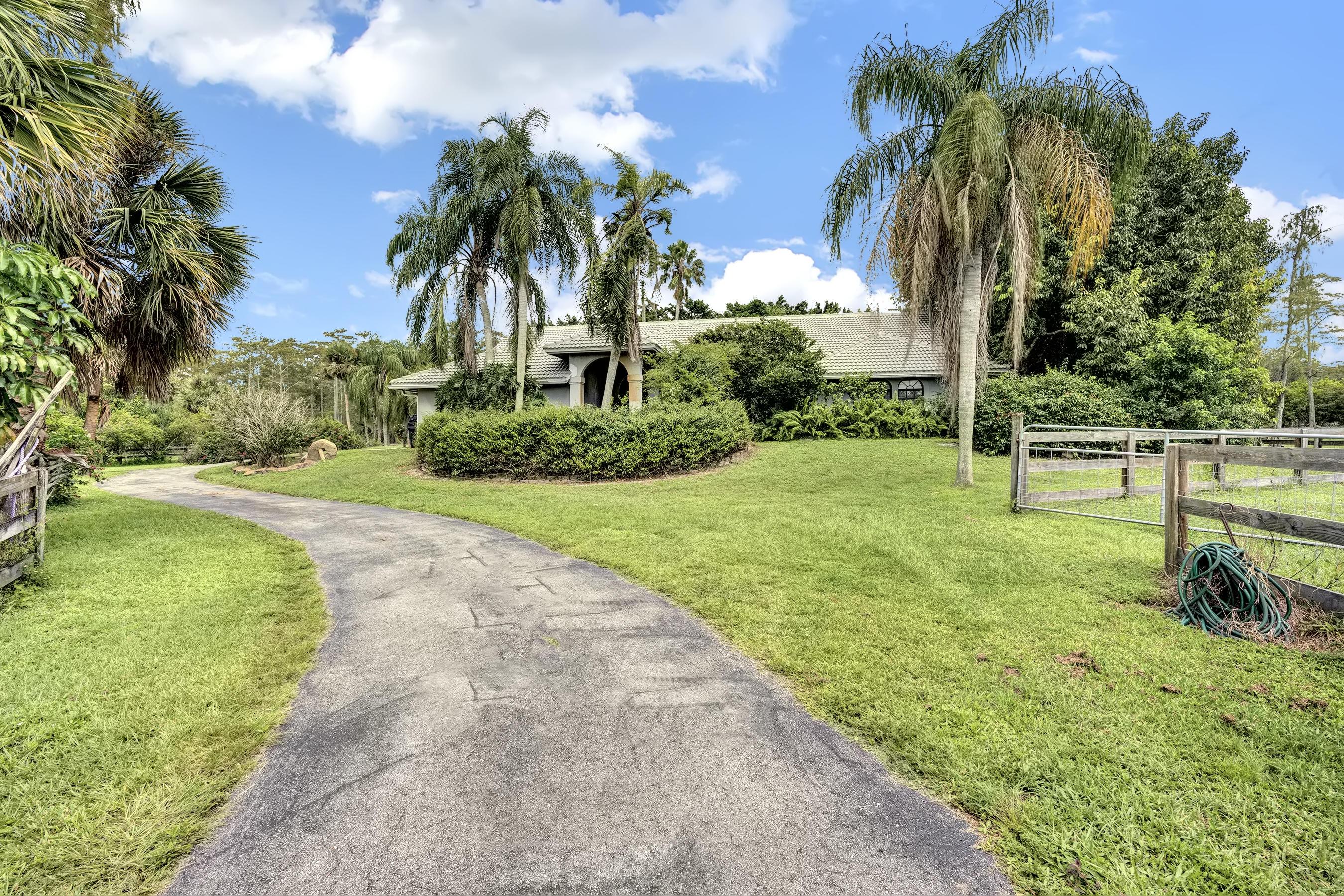 Loxahatchee, Florida 33470, 3 Bedrooms Bedrooms, ,2 BathroomsBathrooms,Residential,For Sale,Deer Run,RX-10659835