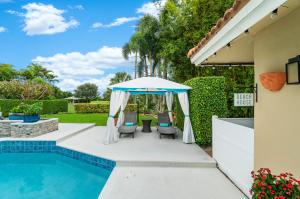 426 S Country Club Drive Atlantis FL 33462