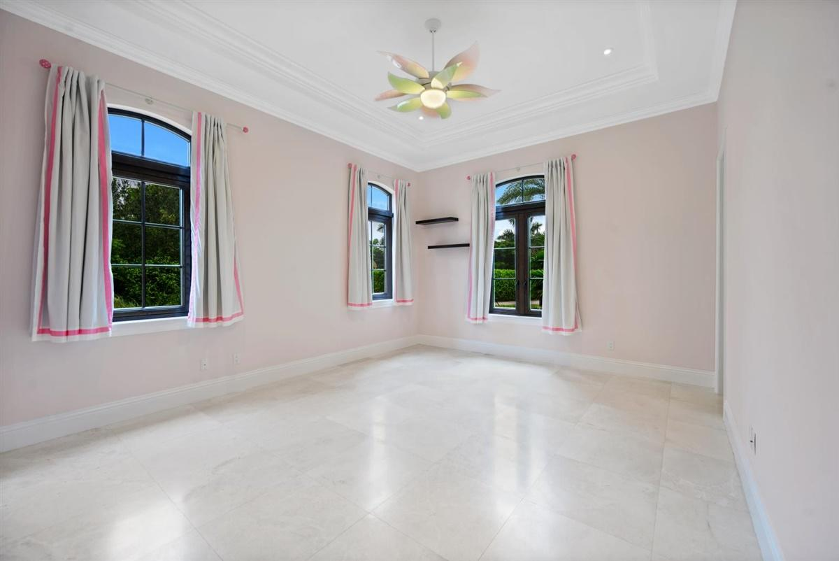 Wellington, Florida 33414, 5 Bedrooms Bedrooms, ,4 BathroomsBathrooms,Residential,For Sale,Southfields,RX-10660955