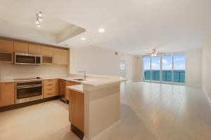 2650 Lake Shore Drive, 1602, Riviera Beach, FL 33404