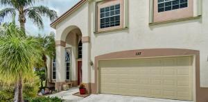 137 Saratoga Boulevard E, Royal Palm Beach, FL 33411