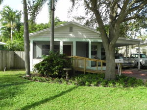 117 George Bush Boulevard, Delray Beach, FL 33444