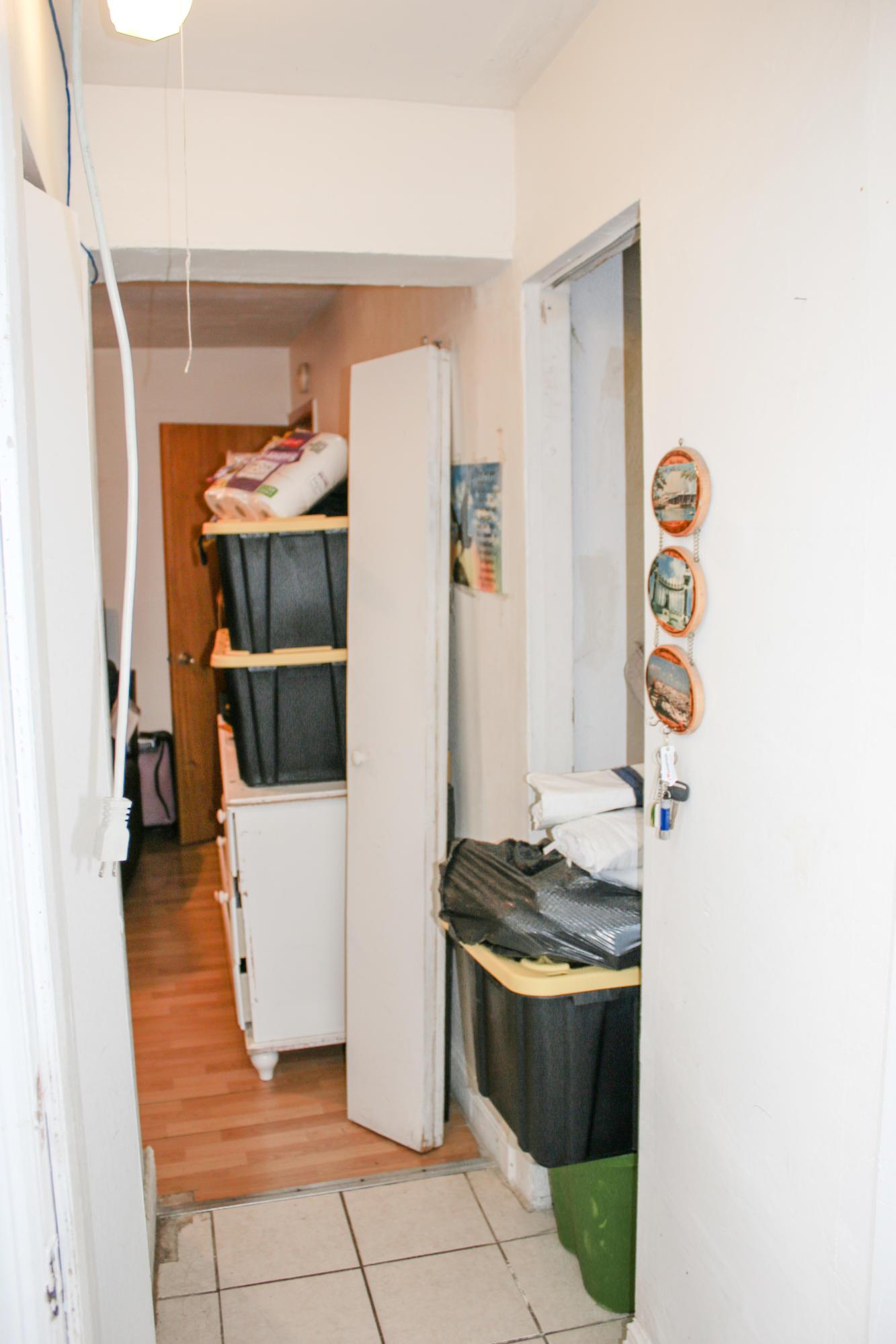 1/1 Apartment Hallway