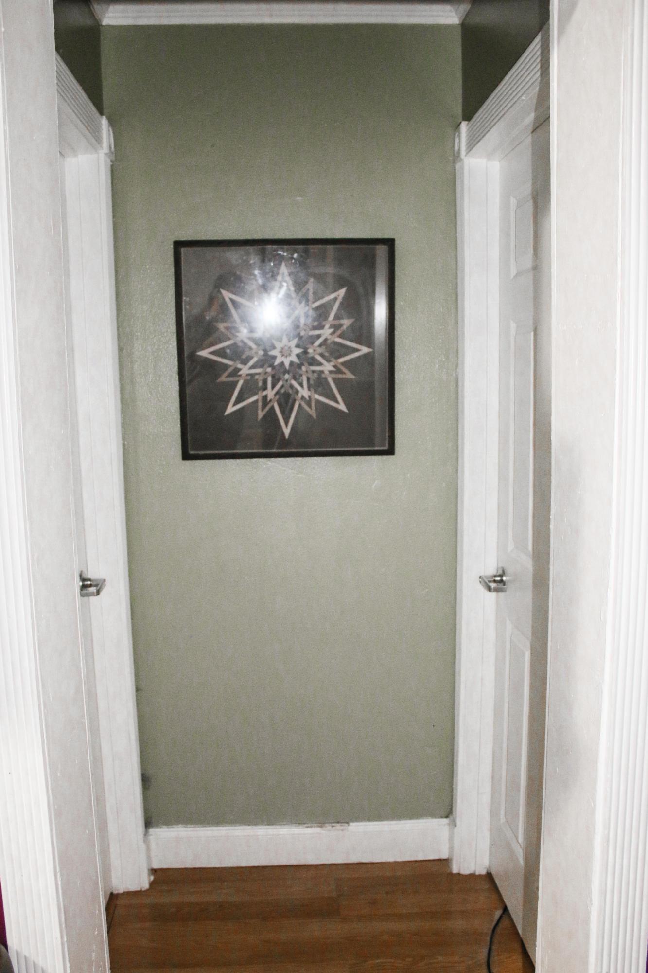 3/1 Hallway to 2 Bedrooms