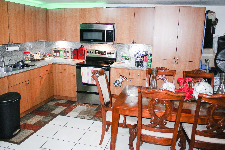 1/1 Kitchen