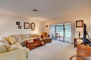 5 Stratford Drive, B, Boynton Beach, FL 33436