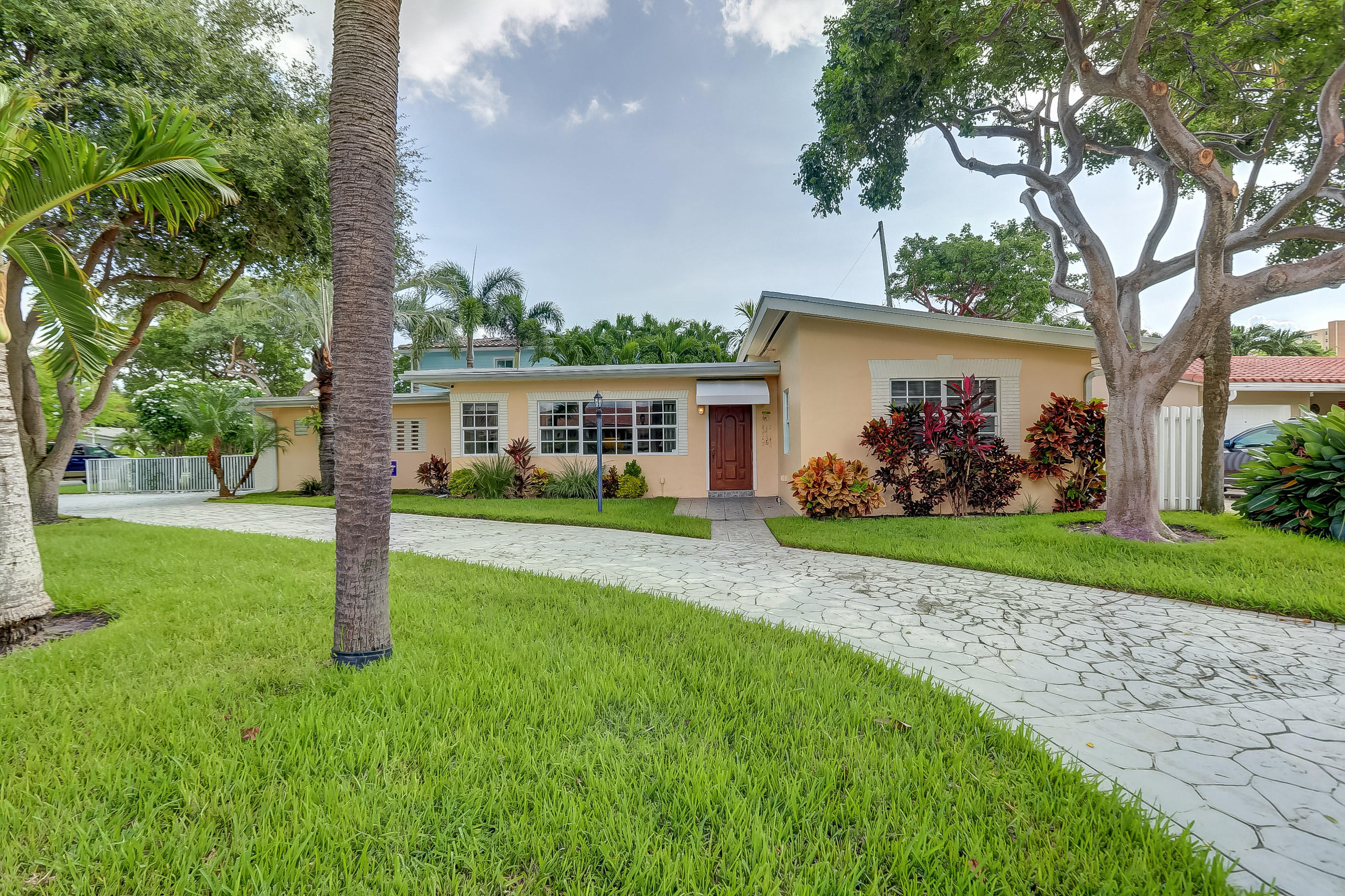 Details for 1902 Riverside Drive N, Pompano Beach, FL 33062