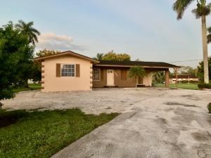 300 SE 3rd Avenue, South Bay, FL 33493