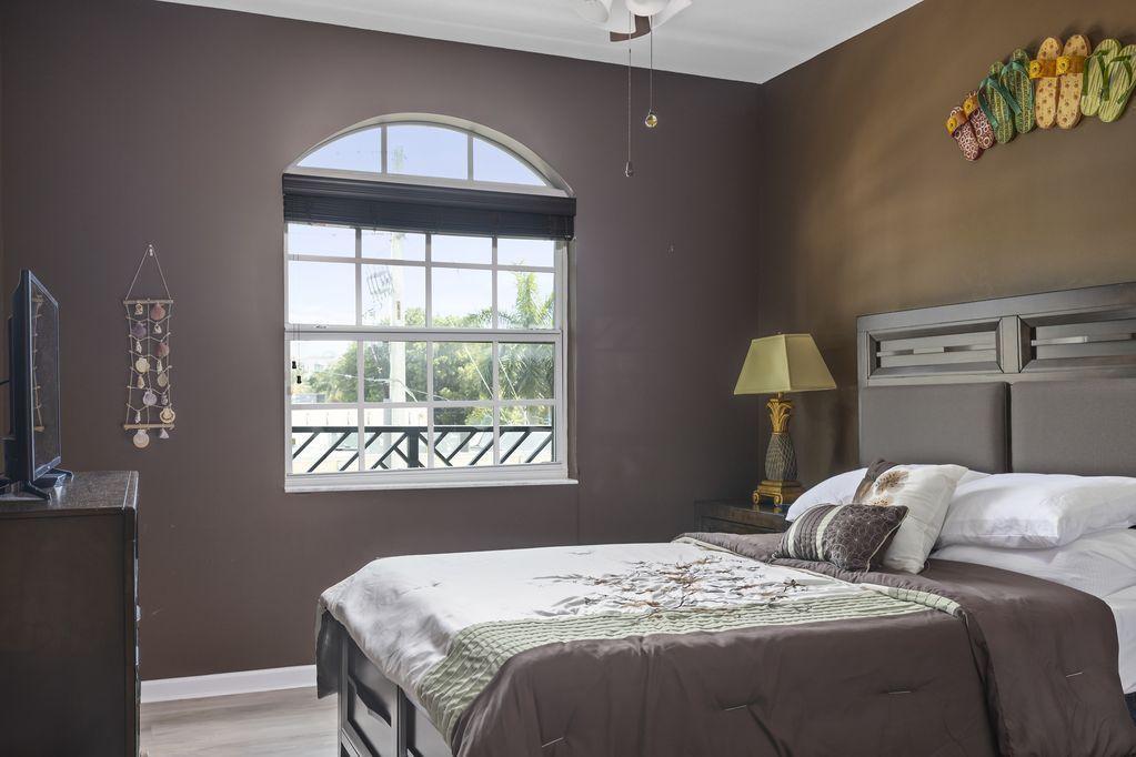 Astor bed 3