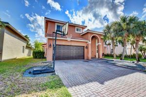 120 Sarona Circle, Royal Palm Beach, FL 33411