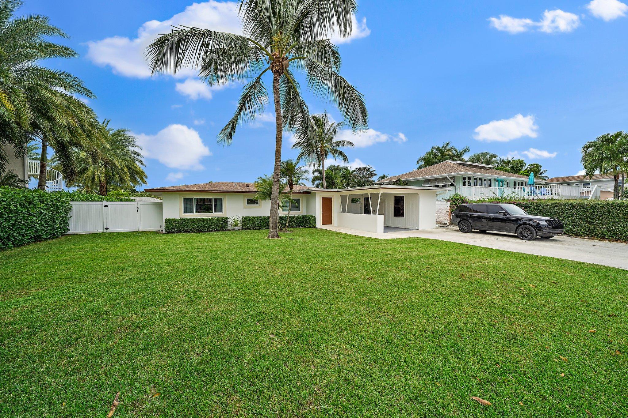 Home for sale in Pirates Cove Palm Beach Gardens Florida