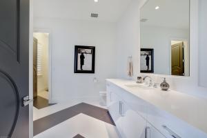 VIP Bath upstairs