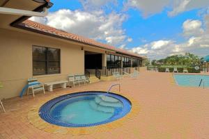 8256 Waterline Drive Boynton Beach FL 33472