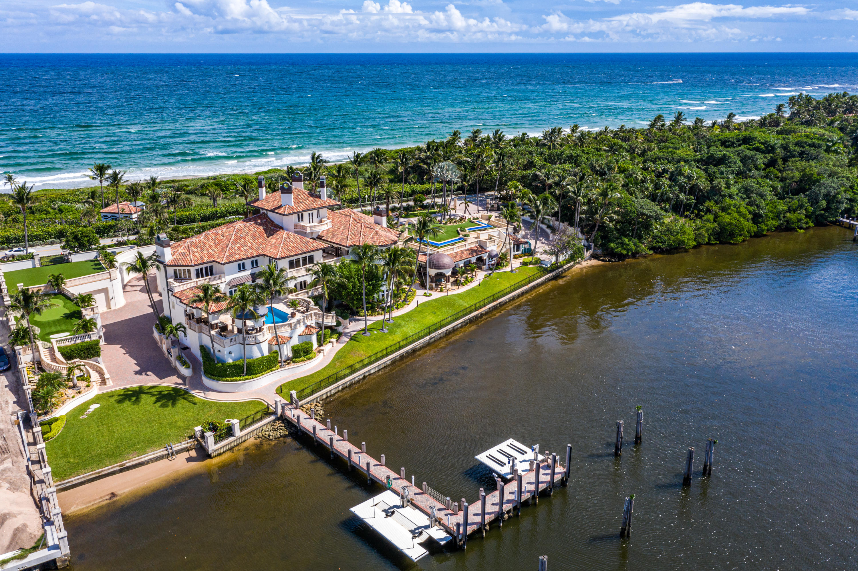 Manalapan, Florida 33462, 9 Bedrooms Bedrooms, ,9 BathroomsBathrooms,Residential,For Sale,Ocean,RX-10665677