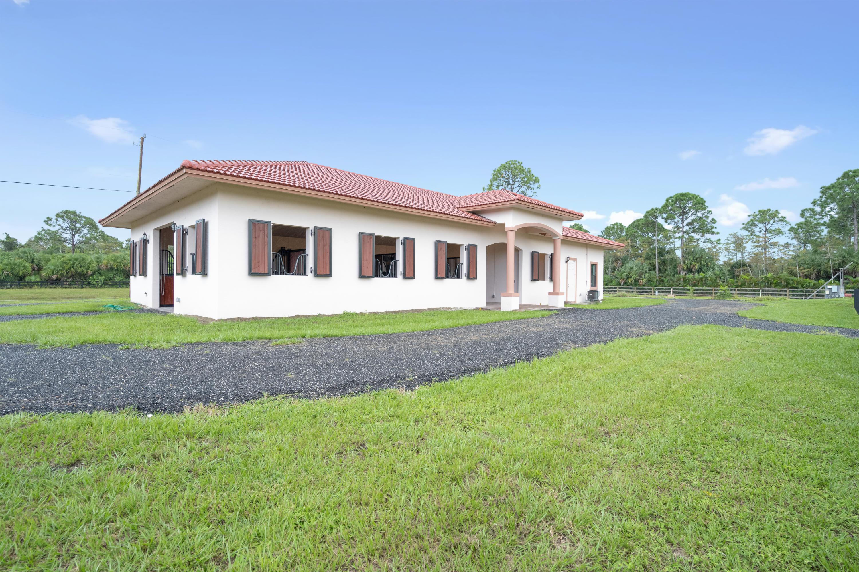 2440 Buck Ridge Trail, Loxahatchee, Florida 33470, 1 Bedroom Bedrooms, ,1.1 BathroomsBathrooms,Barn,For Rent,Buck Ridge,RX-10666027