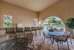 100 Nw 69th Circle Boca Raton FL 33487
