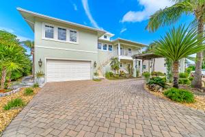 541 Saturn Lane, Juno Beach, FL 33408
