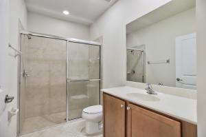 48 Nw Hawthorne Place Boca Raton FL 33432