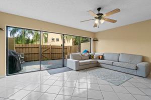 8815 Sw 21st E Street Boca Raton FL 33428
