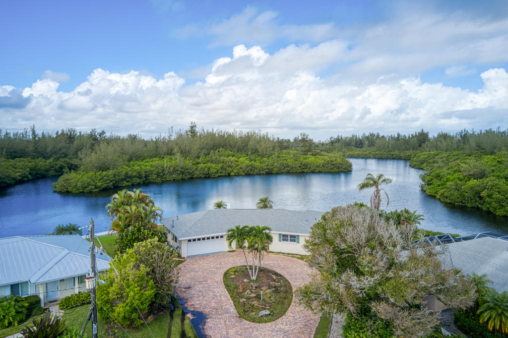Details for 715 Shore Drive, Vero Beach, FL 32963