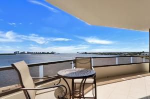 100 Lakeshore Drive, 557, North Palm Beach, FL 33408